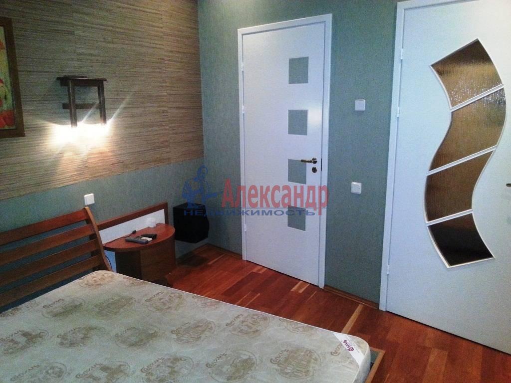 2-комнатная квартира (80м2) в аренду по адресу Ропшинская ул., 24— фото 9 из 9