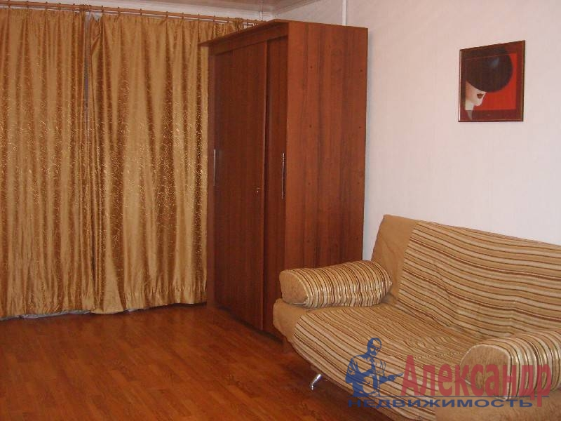 1-комнатная квартира (35м2) в аренду по адресу Сиреневый бул., 2— фото 2 из 6
