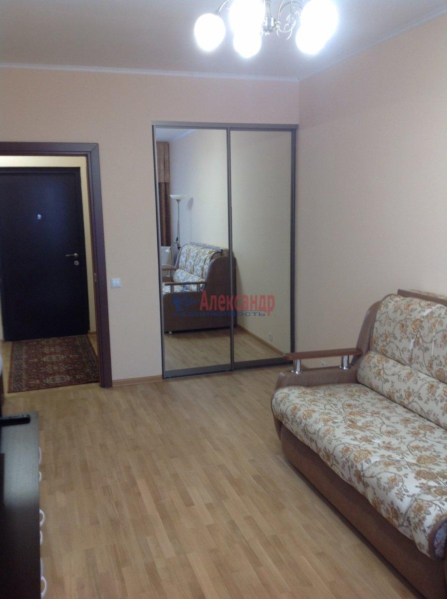 1-комнатная квартира (49м2) в аренду по адресу Мурино пос., Привокзальная пл., 3— фото 5 из 8