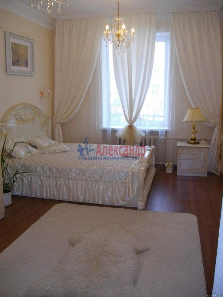 2-комнатная квартира (70м2) в аренду по адресу Белы Куна ул., 1— фото 3 из 4