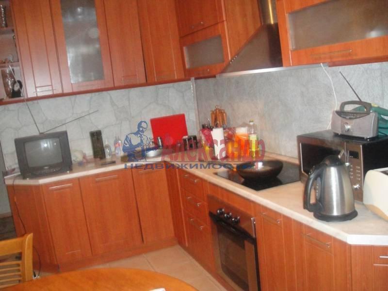 3-комнатная квартира (59м2) в аренду по адресу Богатырский пр., 32— фото 3 из 6