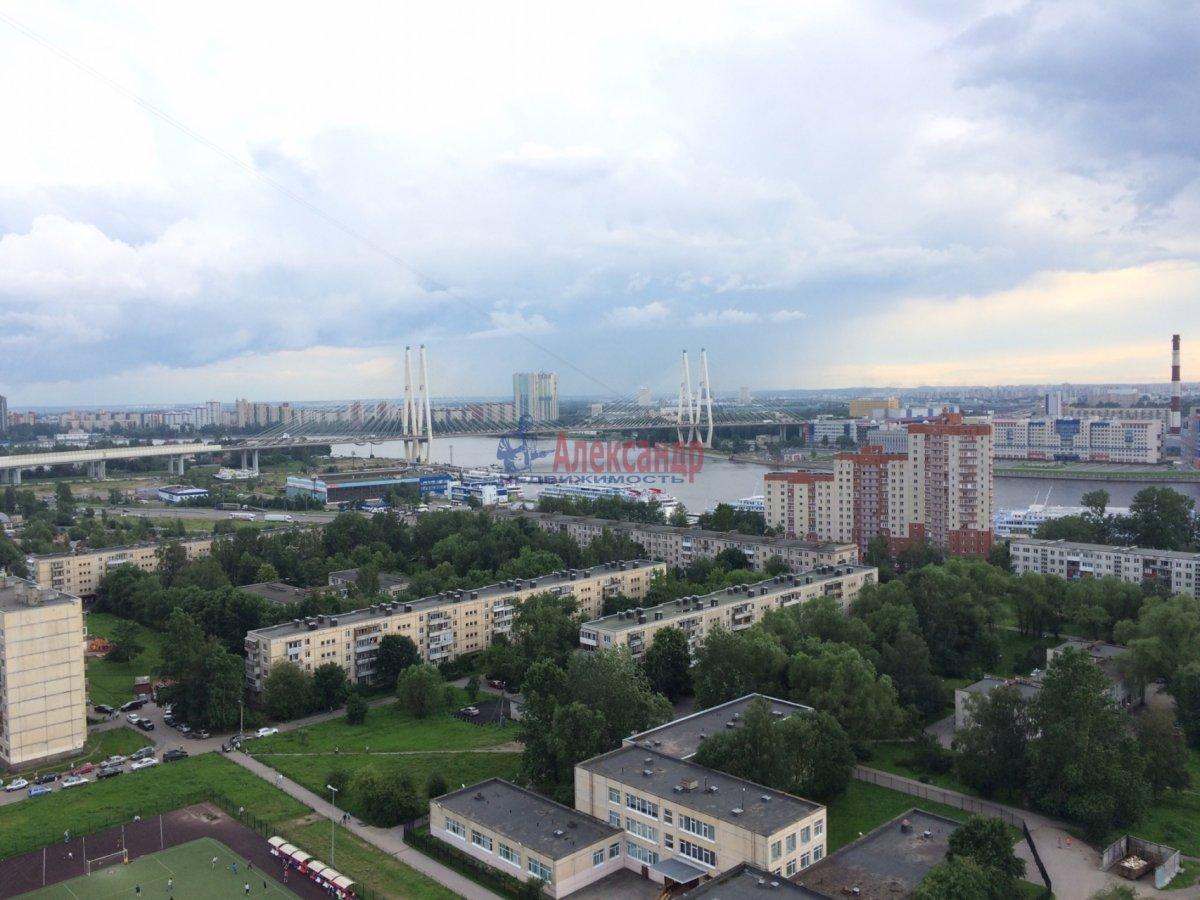 1-комнатная квартира (35м2) в аренду по адресу Русановская ул., 9— фото 2 из 8
