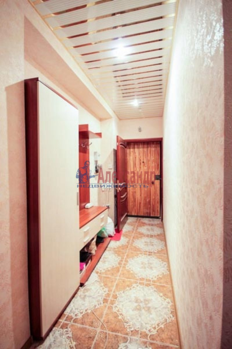 3-комнатная квартира (100м2) в аренду по адресу Ветеранов пр., 52— фото 10 из 11