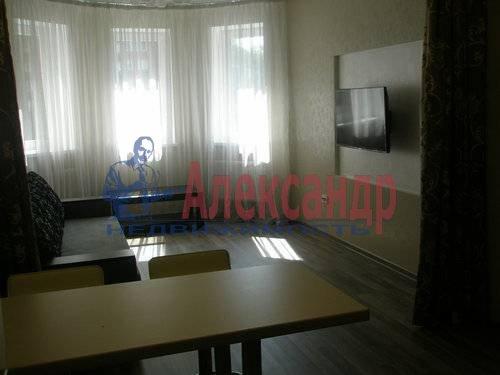 2-комнатная квартира (68м2) в аренду по адресу Комендантская пл., 6— фото 4 из 10