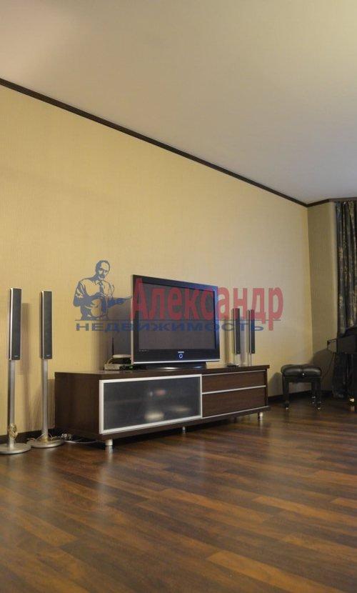 2-комнатная квартира (75м2) в аренду по адресу Восстания ул., 6— фото 6 из 10