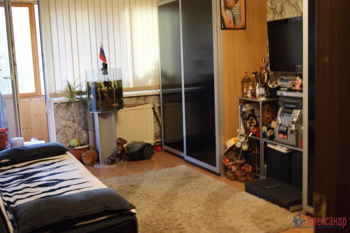 Комната в 2-комнатной квартире (33м2) в аренду по адресу Караваевская ул., 10— фото 2 из 2