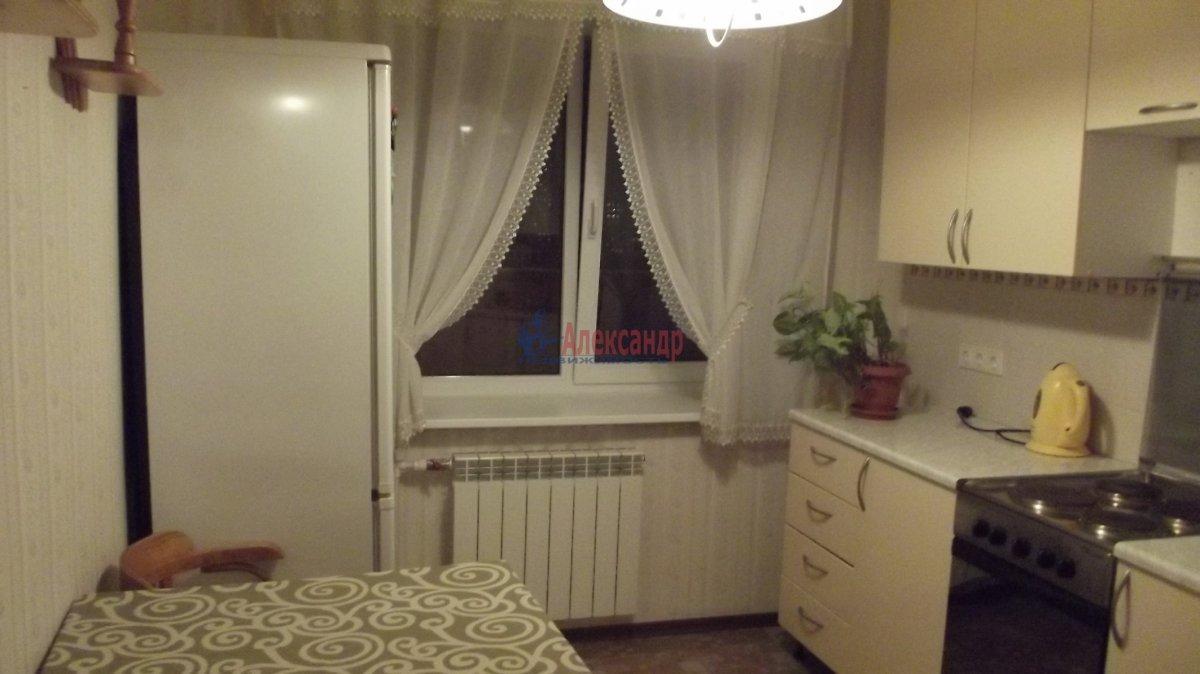 1-комнатная квартира (40м2) в аренду по адресу Миллионная ул., 4— фото 2 из 8