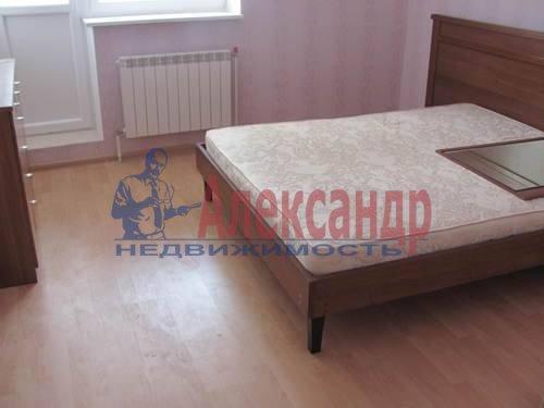 1-комнатная квартира (38м2) в аренду по адресу Кондратьевский пр., 62— фото 3 из 3