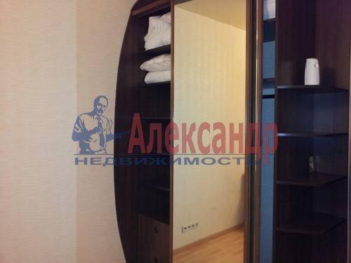 1-комнатная квартира (46м2) в аренду по адресу Композиторов ул., 12— фото 4 из 4