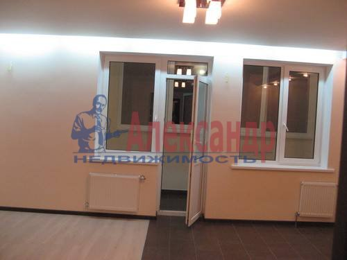 2-комнатная квартира (60м2) в аренду по адресу Пулковская ул., 6— фото 1 из 8