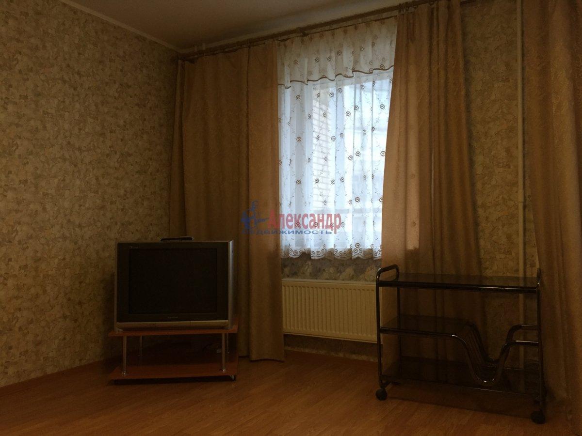 1-комнатная квартира (39м2) в аренду по адресу Шаврова ул., 13— фото 4 из 10