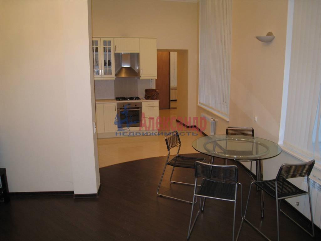 3-комнатная квартира (110м2) в аренду по адресу Невский пр., 16— фото 2 из 5
