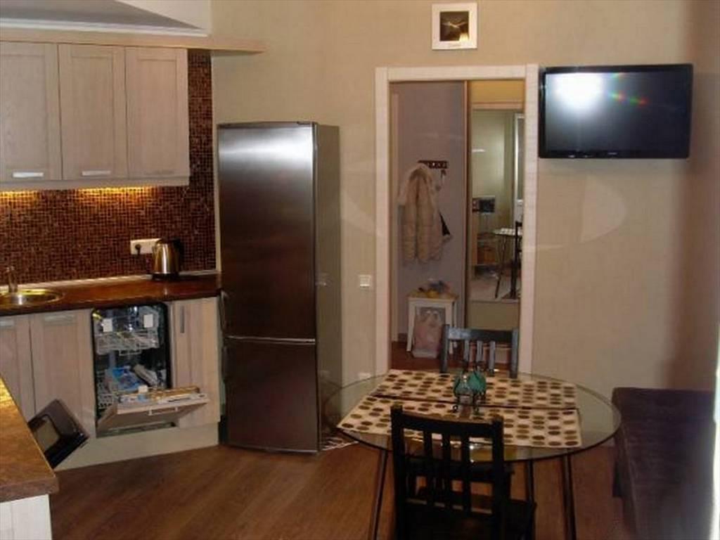 1-комнатная квартира (50м2) в аренду по адресу Стачек пр., 92— фото 1 из 16