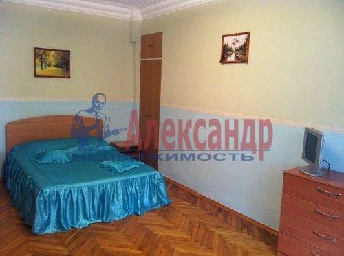 Комната в 2-комнатной квартире (65м2) в аренду по адресу Гороховая ул., 16— фото 1 из 2
