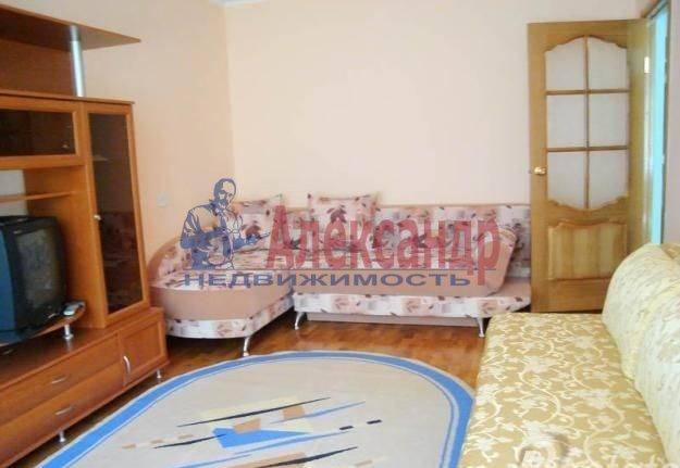 Комната в 3-комнатной квартире (75м2) в аренду по адресу Ланское шос., 11— фото 1 из 3