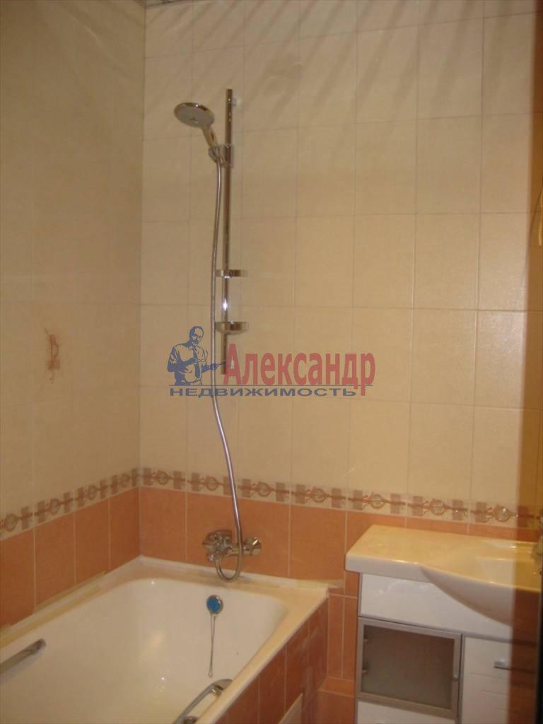 2-комнатная квартира (60м2) в аренду по адресу Коломяжский пр., 28— фото 4 из 6