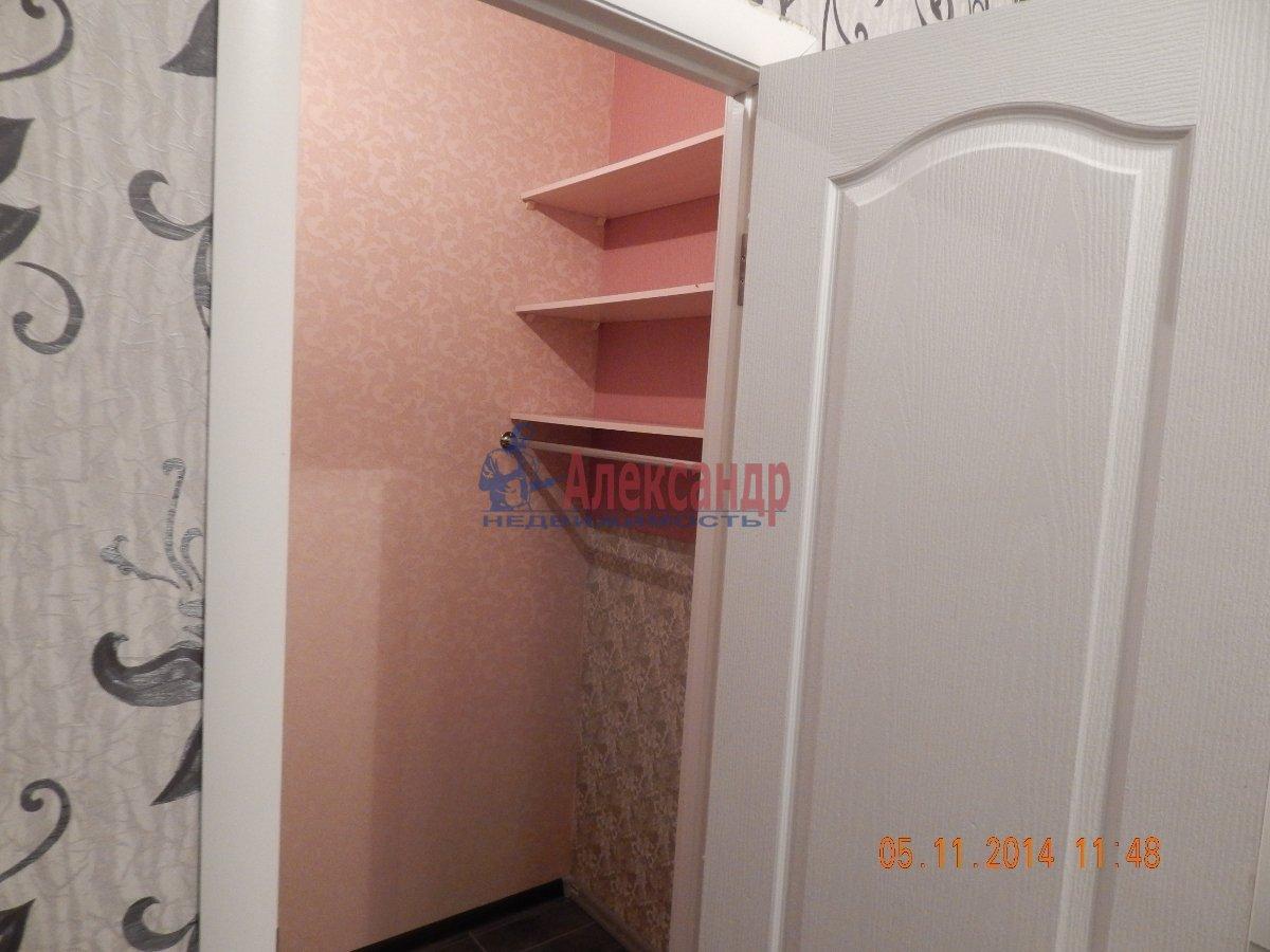 1-комнатная квартира (43м2) в аренду по адресу Мурино пос., Привокзальная пл., 3— фото 8 из 9