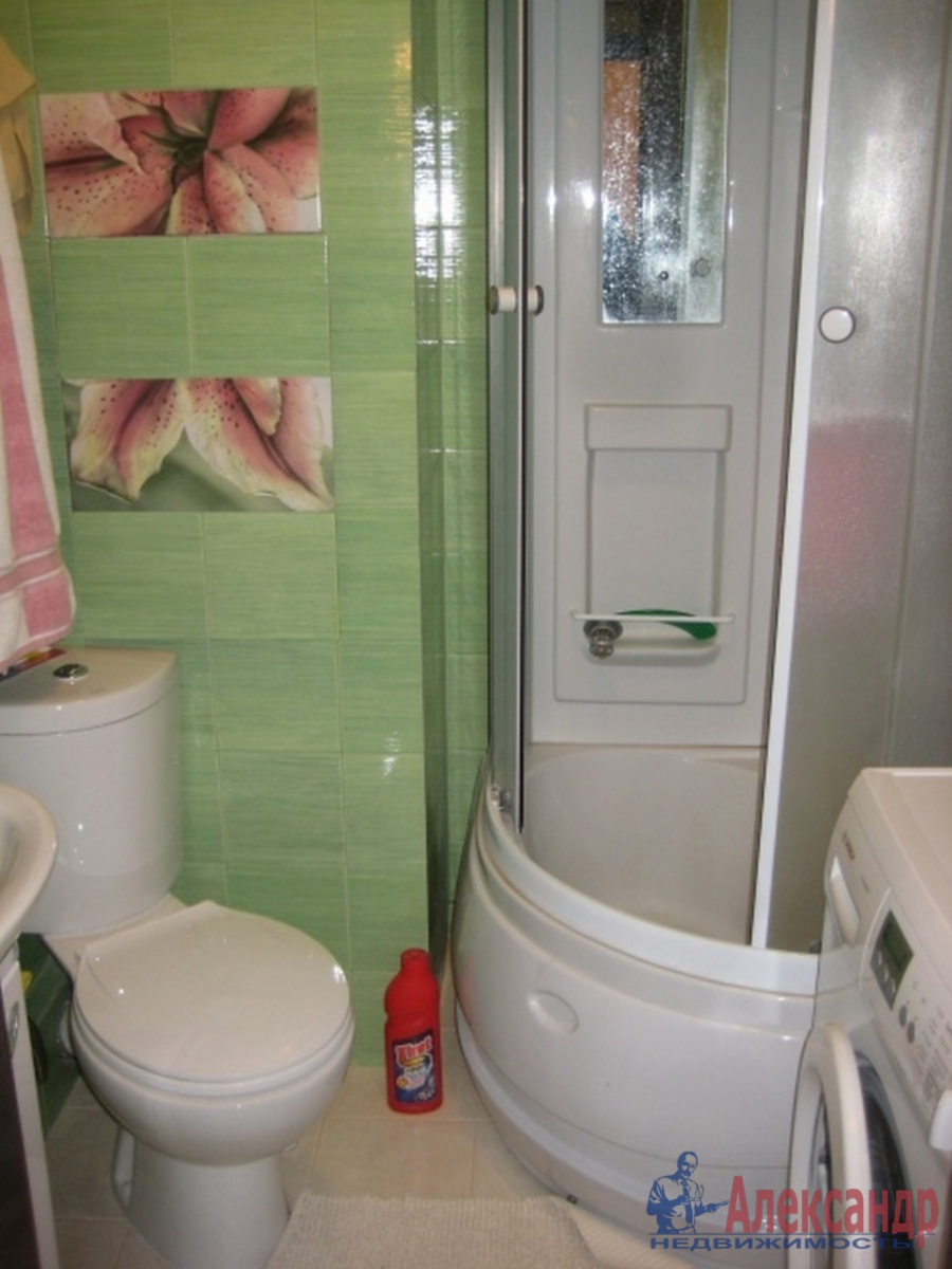 1-комнатная квартира (28м2) в аренду по адресу Пулковская ул., 3— фото 2 из 2