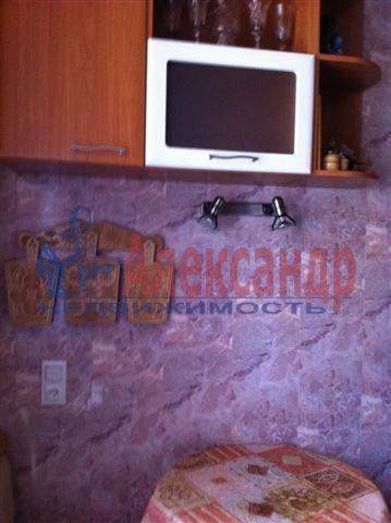 2-комнатная квартира (50м2) в аренду по адресу Передовиков ул., 11— фото 6 из 9