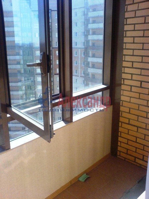 2-комнатная квартира (69м2) в аренду по адресу Есенина ул., 1— фото 6 из 11
