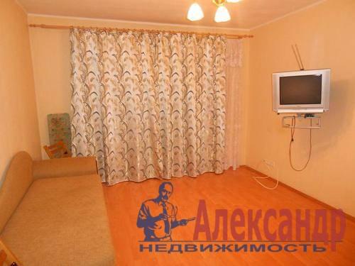 1-комнатная квартира (36м2) в аренду по адресу Стародеревенская ул., 29— фото 1 из 4