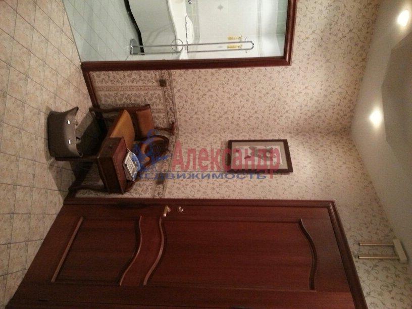 3-комнатная квартира (95м2) в аренду по адресу Черной Речки наб., 10— фото 11 из 16