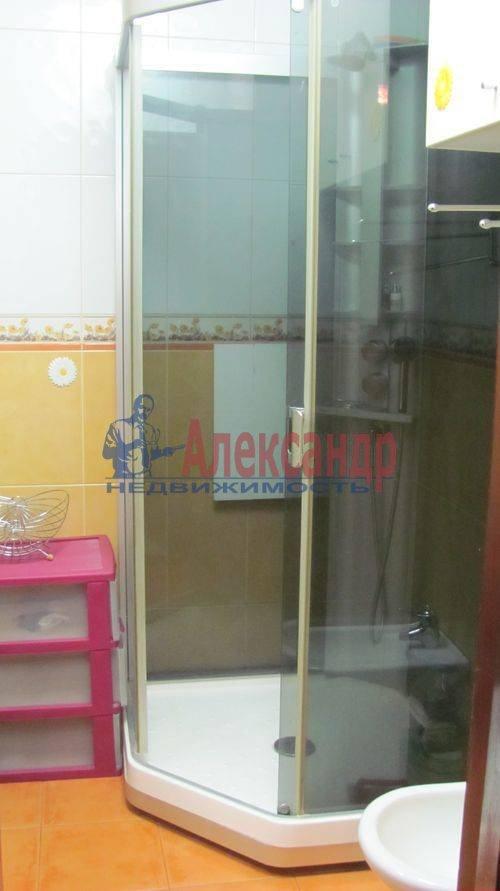 2-комнатная квартира (60м2) в аренду по адресу Ильюшина ул., 1— фото 4 из 10