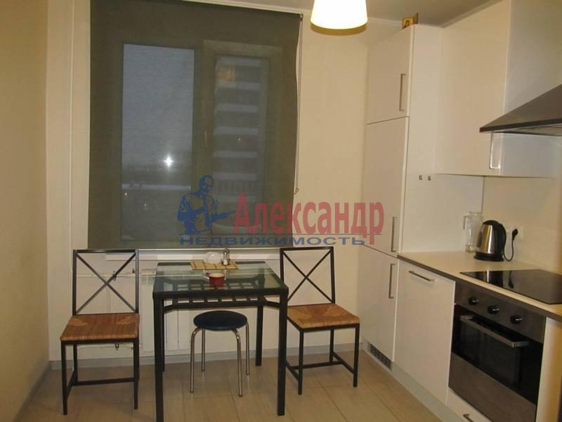 1-комнатная квартира (40м2) в аренду по адресу Маршала Блюхера пр., 21— фото 10 из 13