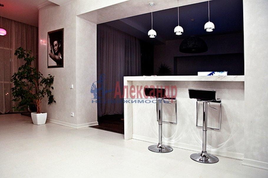 3-комнатная квартира (143м2) в аренду по адресу Парадная ул., 3— фото 2 из 18