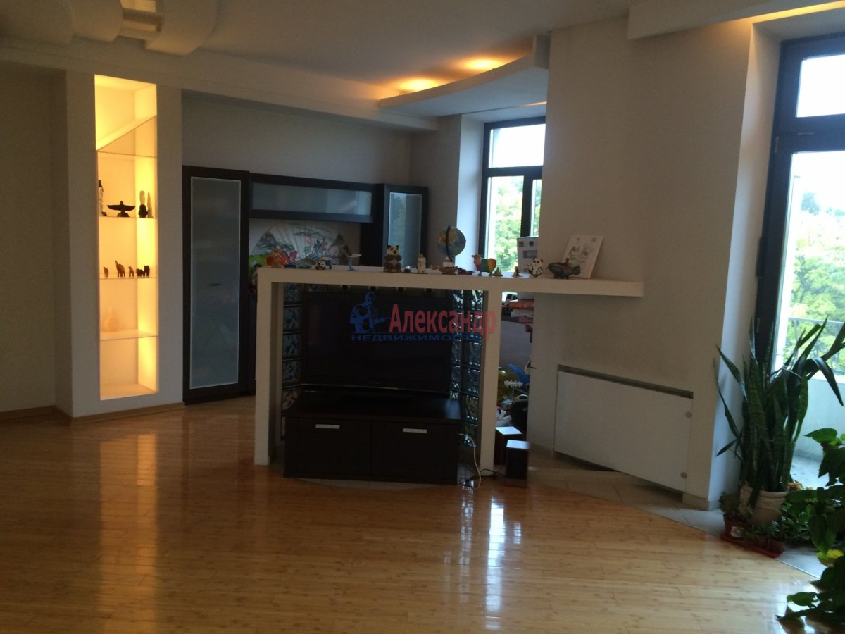 4-комнатная квартира (150м2) в аренду по адресу Кузнецовская ул., 48— фото 1 из 21