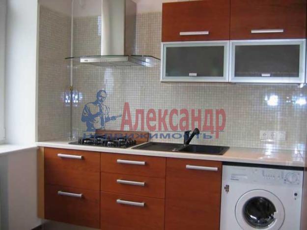 2-комнатная квартира (55м2) в аренду по адресу Шушары пос., Колпинское шос., 38— фото 3 из 4