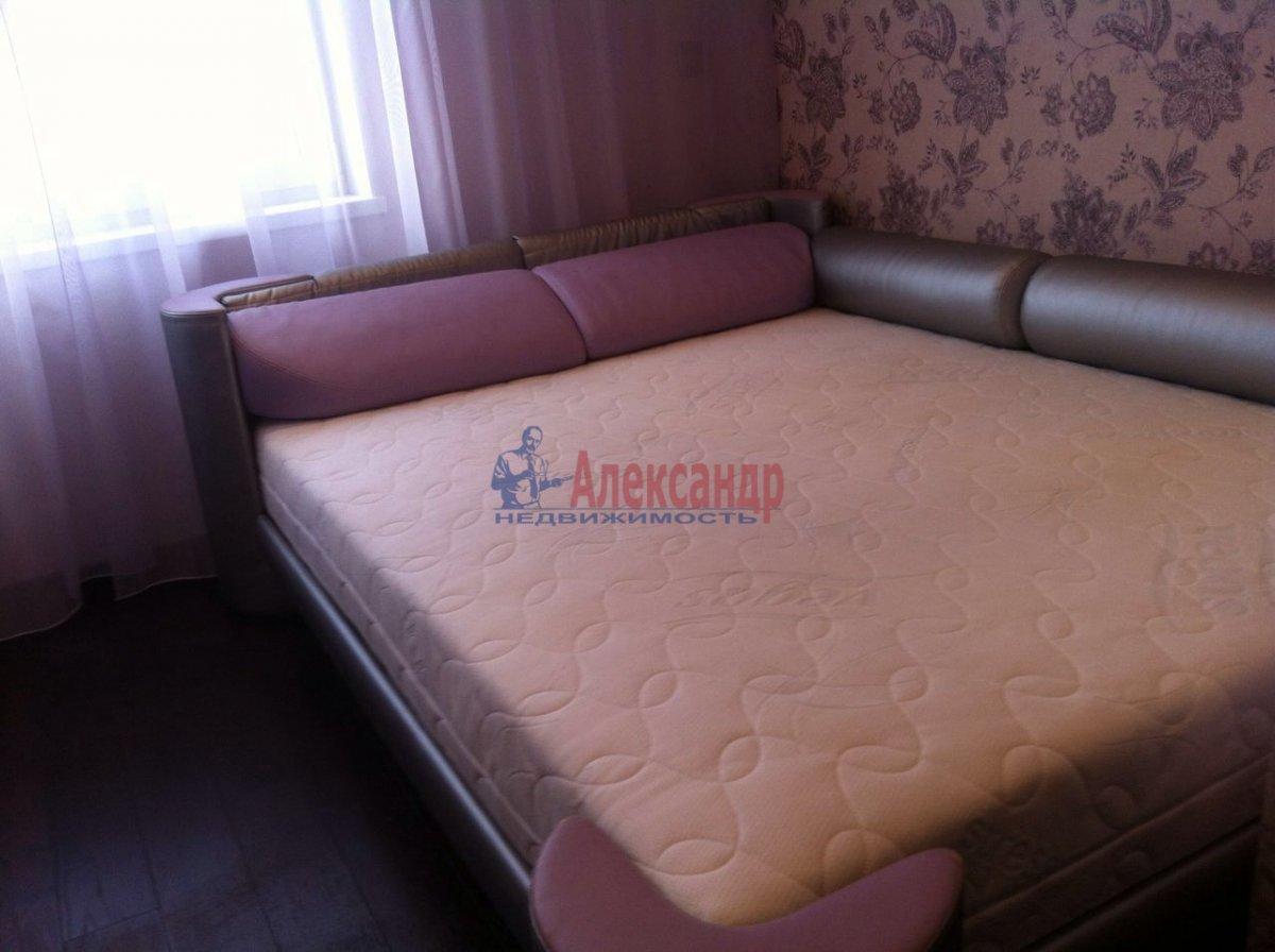 2-комнатная квартира (50м2) в аренду по адресу Науки пр., 17— фото 7 из 11