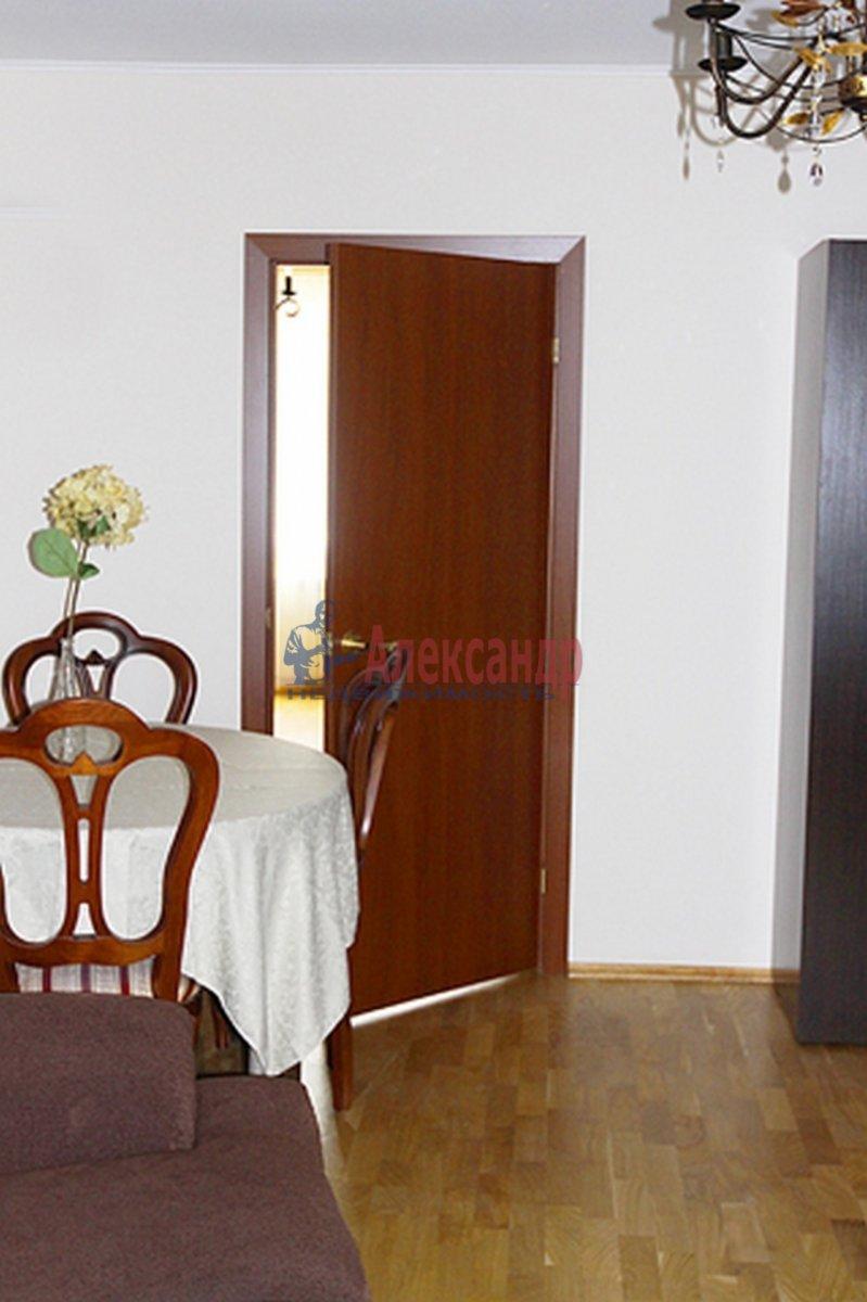 3-комнатная квартира (63м2) в аренду по адресу Парашютная ул., 4— фото 2 из 9