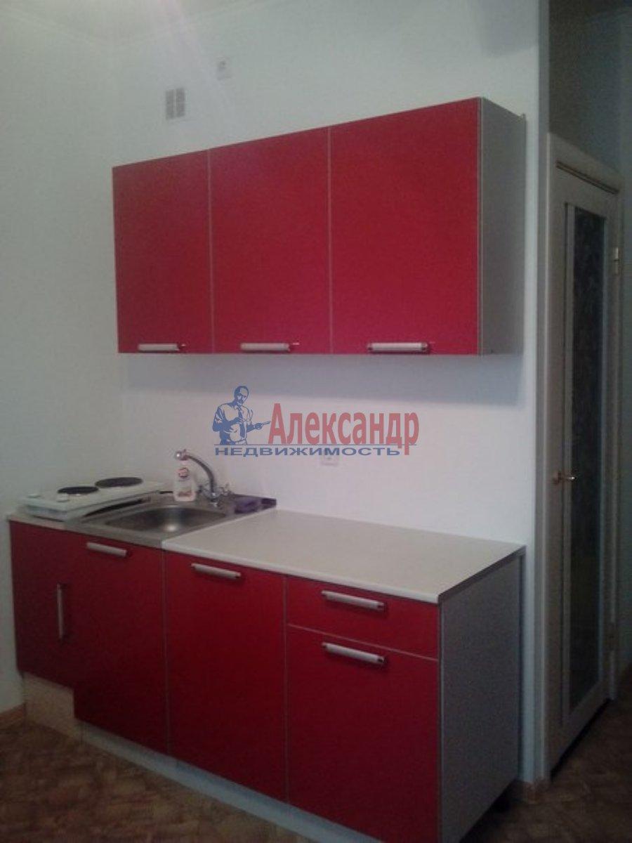 1-комнатная квартира (40м2) в аренду по адресу Красное Село г., Юных Пионеров ул., 18— фото 1 из 2
