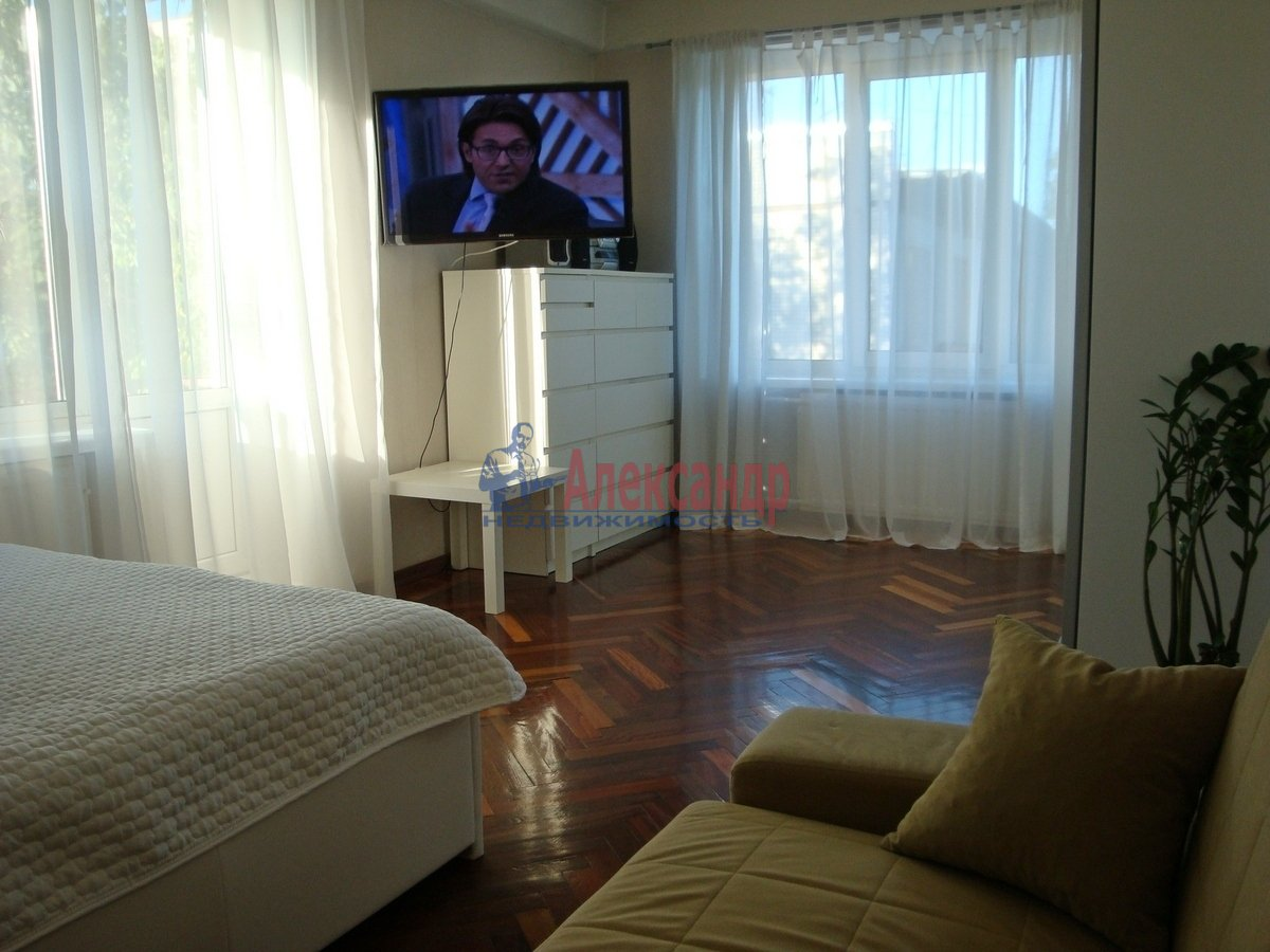 1-комнатная квартира (33м2) в аренду по адресу Металлистов пр., 25— фото 2 из 10