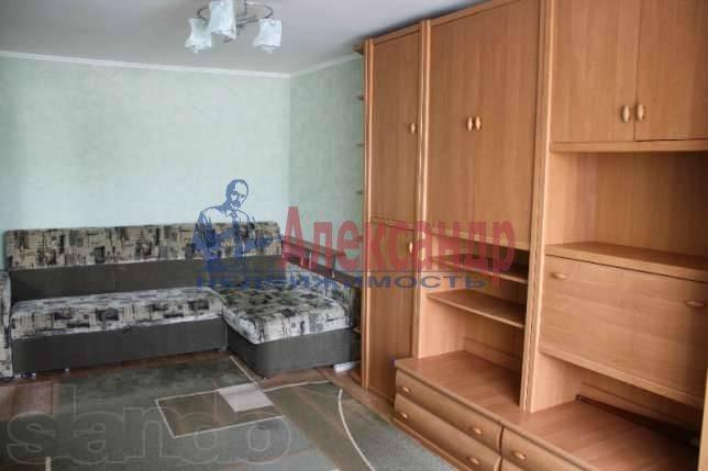 Комната в 2-комнатной квартире (58м2) в аренду по адресу Асафьева ул., 5— фото 1 из 2