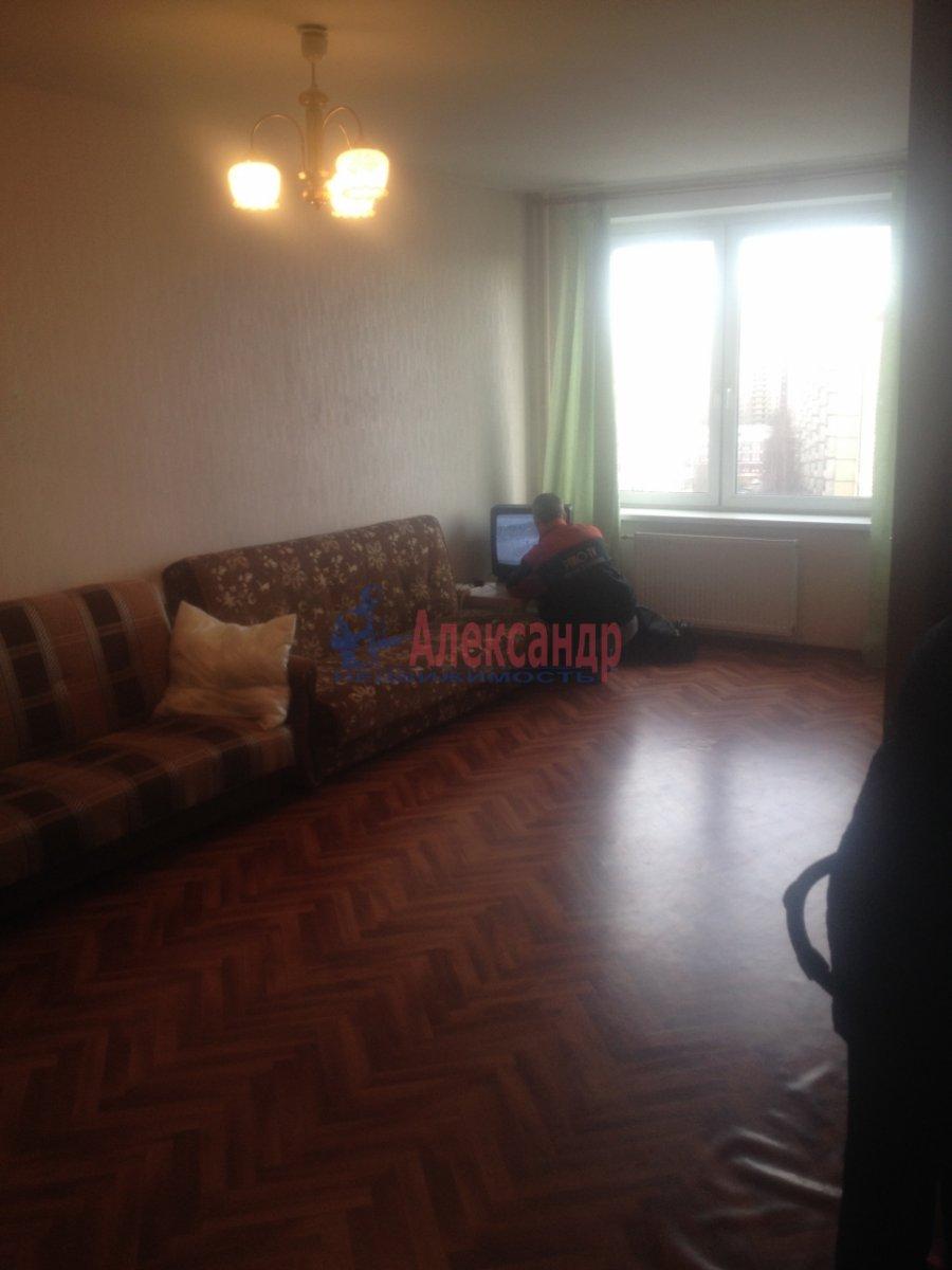 1-комнатная квартира (35м2) в аренду по адресу Народного Ополчения пр., 23— фото 3 из 3
