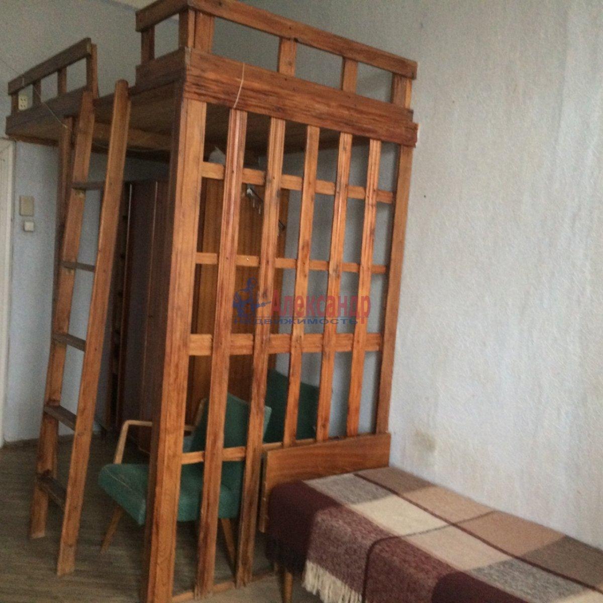Комната в 4-комнатной квартире (100м2) в аренду по адресу 14 линия В.О., 45— фото 3 из 14