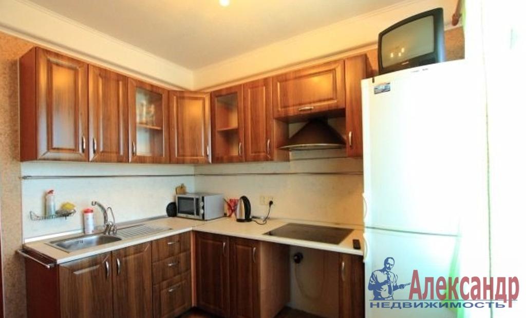 1-комнатная квартира (38м2) в аренду по адресу Карпинского ул., 33— фото 2 из 2