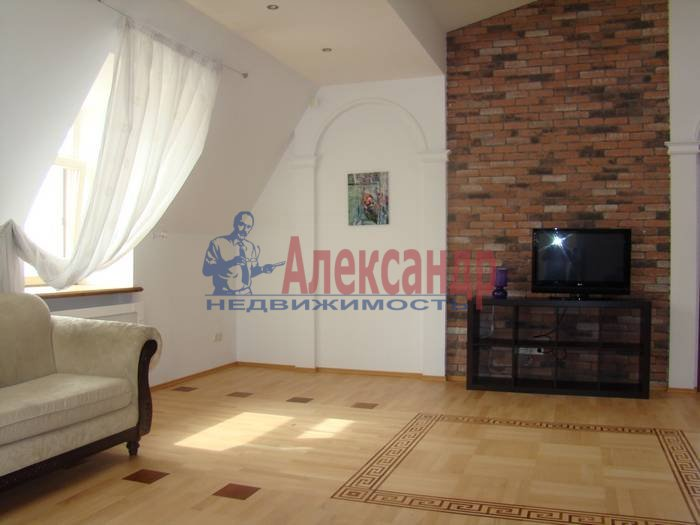 5-комнатная квартира (220м2) в аренду по адресу Крестовский пр., 4— фото 1 из 7