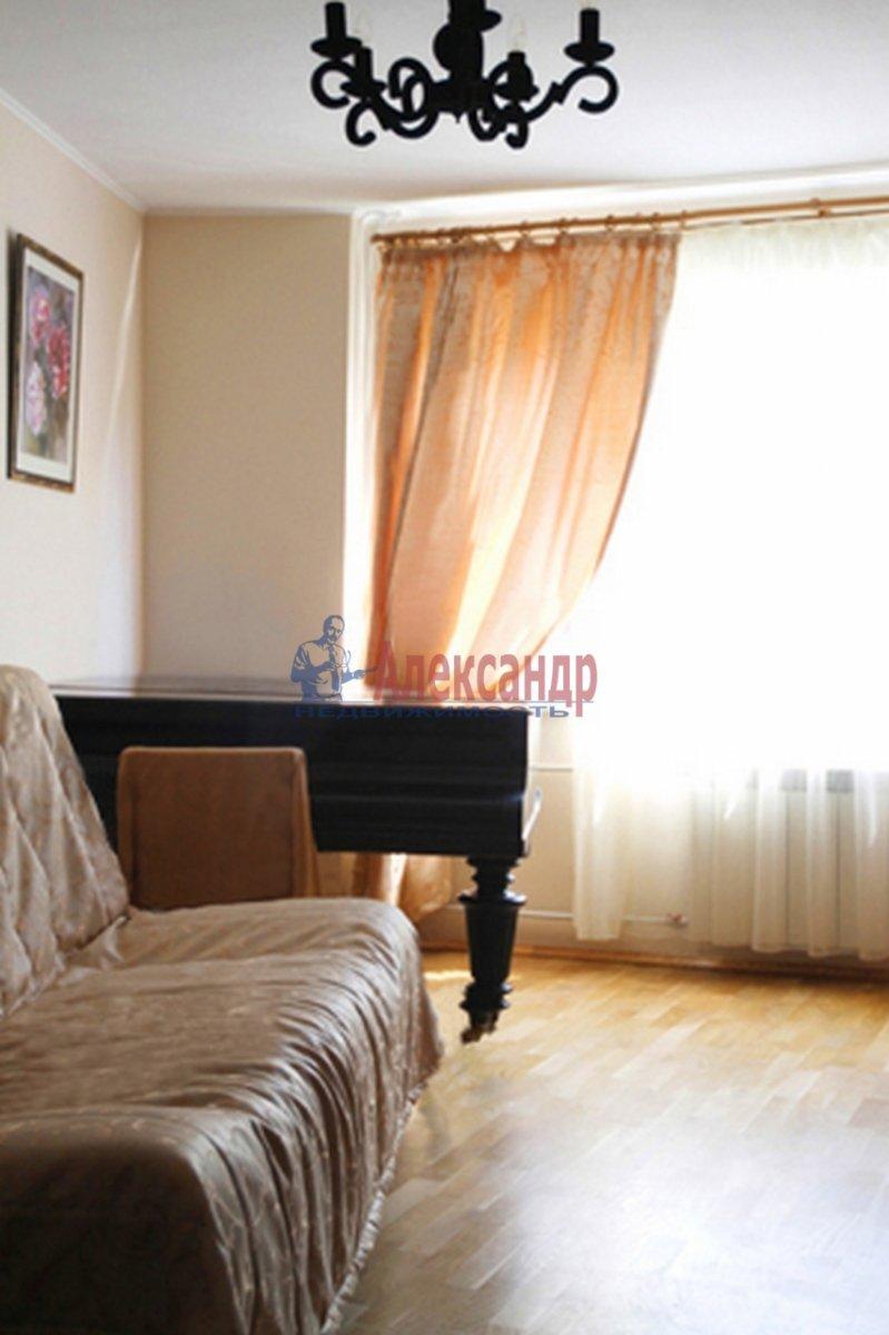 3-комнатная квартира (63м2) в аренду по адресу Парашютная ул., 4— фото 1 из 9