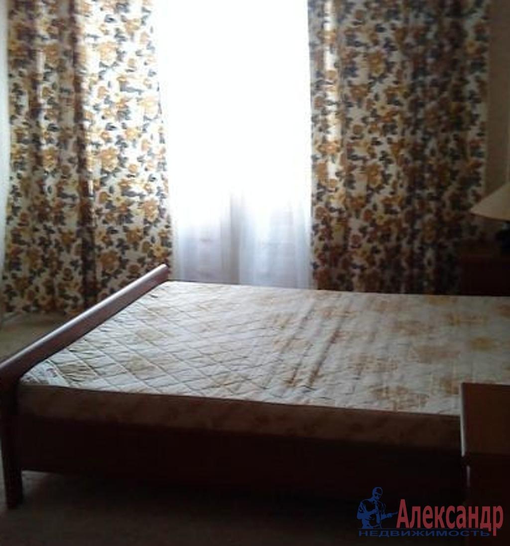 2-комнатная квартира (64м2) в аренду по адресу Камышовая ул., 4— фото 3 из 6