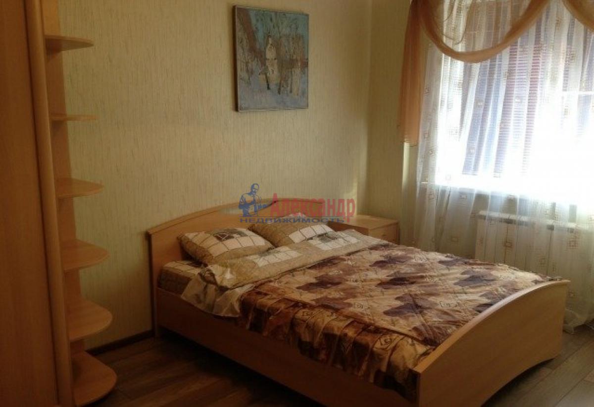 Комната в 2-комнатной квартире (54м2) в аренду по адресу 3 линия В.О., 18— фото 3 из 3