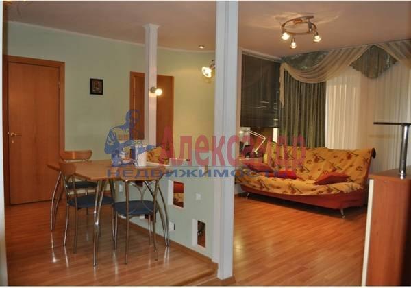 2-комнатная квартира (69м2) в аренду по адресу Кузнечный пер., 19— фото 1 из 5