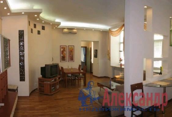 3-комнатная квартира (98м2) в аренду по адресу Реки Фонтанки наб., 82— фото 1 из 3