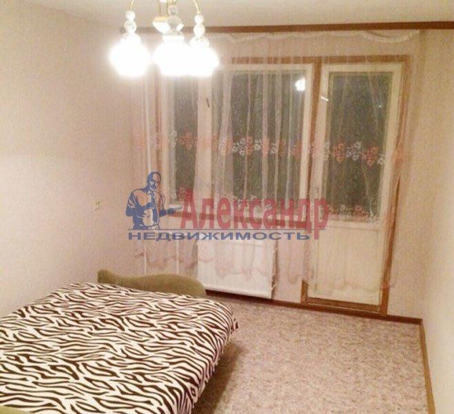1-комнатная квартира (31м2) в аренду по адресу Есенина ул., 8— фото 1 из 4