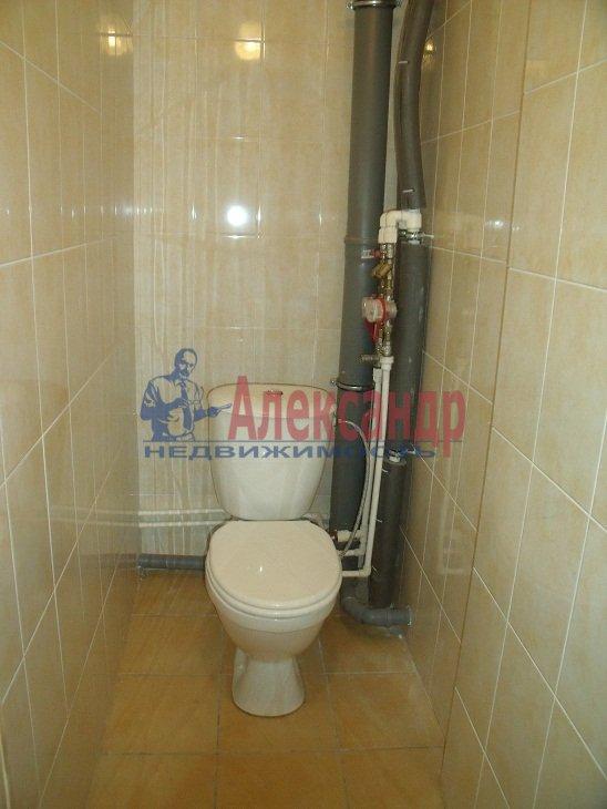 3-комнатная квартира (72м2) в аренду по адресу Федора Абрамова ул., 8— фото 1 из 4