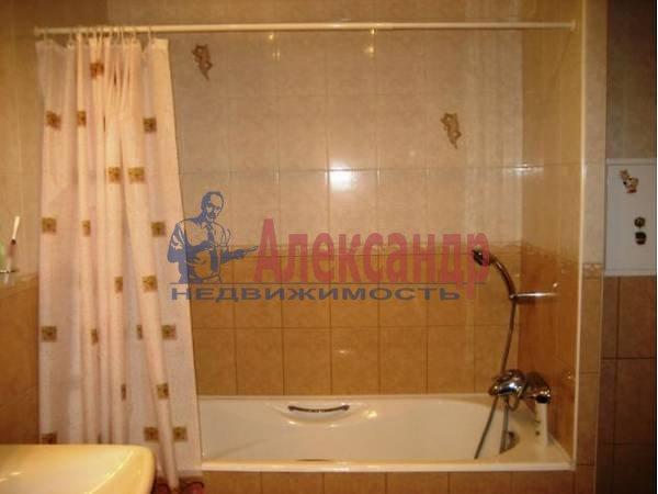 2-комнатная квартира (60м2) в аренду по адресу Варшавская ул.— фото 2 из 3