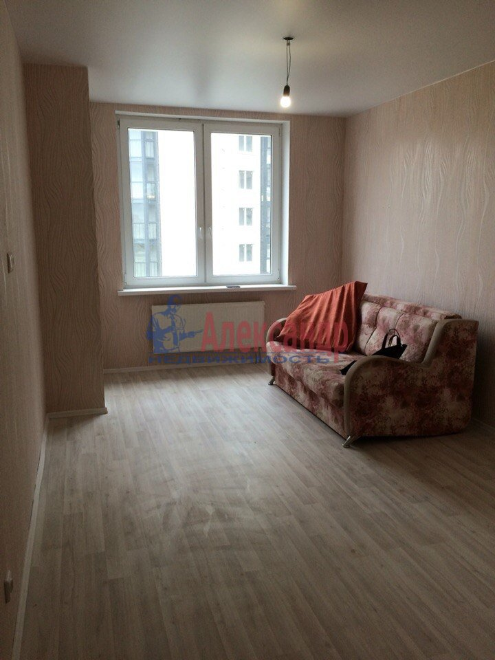 1-комнатная квартира (40м2) в аренду по адресу Русановская ул., 17— фото 3 из 7