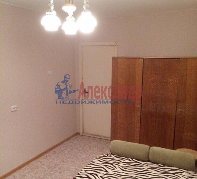 1-комнатная квартира (31м2) в аренду по адресу Есенина ул., 8— фото 2 из 4